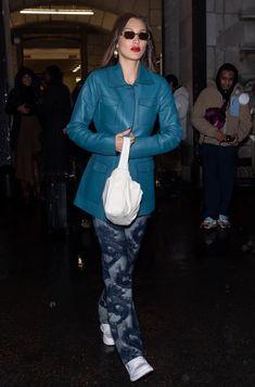 Sister Day, Bella Hadid Style, Weekend Vibes, Muse, Celebrity Style, Sisters, Women Wear, Seasons, Street Style