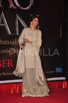 Deepika launches her 'Mastani' look poster from BM Desi Wedding Dresses, Indian Wedding Outfits, Indian Outfits, Wedding Wear, Indian Attire, Indian Ethnic Wear, Pakistani Dresses, Indian Dresses, Desi Clothes