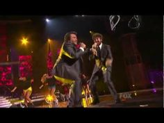 Casey Abrams & Jack Black - Fat Bottomed Girls - American Idol Season 10 Finale - 05/25/11    I  LOVE Casey!