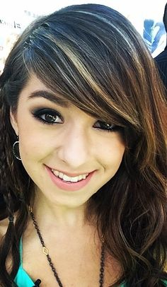 Christina Grimmie and zeh haaaaaiiiirrr..she's so beautiful and gifted by God.