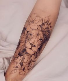 Lion Forearm Tattoos, Girl Arm Tattoos, Leo Tattoos, Dope Tattoos, Body Art Tattoos, Small Tattoos, Lion Tattoo On Thigh, Tatoos, Woman Tattoos