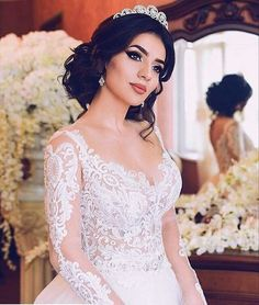 Pour plus -> anais_Fbg Princess Wedding, Wedding Bride, Civil Wedding, Gown Wedding, Modest Wedding, Wedding Hair And Makeup, Bridal Hair, Quinceanera Hairstyles, Wedding Looks