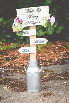 Ideas para señalizar la boda - lecheras vintage