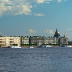 Sint-Petersburg, Russia. Wish I had visited it when it wasn't Leningrad, USSR. Beautiful city, impressed by The Hermitage, the grand houses of former aristocracy and the many bridges over de majestic river Neva. It must be such a vibrant city by now!