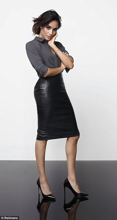 40 Leather Pencil Skirt Outfits That'll Make You Want A Leather Skirt Smart casual outfits for women Smart Casual Outfit, Casual Outfits, Smart Casual Dresses, Smart Casual Women Skirt, Women's Casual, Black Leather Skirt Outfits, Black Leather Pencil Skirt, Black Pencil Skirt Outfit, Pencil Skirt Casual