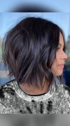 A bob with choppy layers is a great haircut for women with thin and thick hair. Hit the link to see gorgeous examples of choppy bob hairstyles. Photo credit: Instagram @summerevansstudio