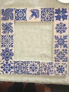 Tile Floor Diy, Floor Art, Painting Tile Floors, Ceramic Painting, Handmade Tiles, Handmade Books, Islamic Art Pattern, Pattern Art, Ceramic Decor
