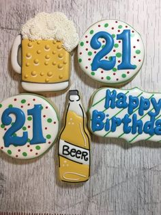 Bredele with brown sugar and praline sugar - HQ Recipes Birthday Cakes For Men, Happy Birthday Cookie, Guys 21st Birthday, 21st Bday Ideas, 21st Birthday Decorations, Birthday Cookies, Birthday Beer, Retirement Decorations, 21 Birthday