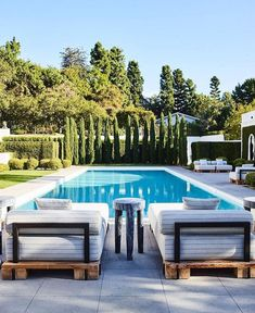 Nothing better than a rectangular pool for your Nada mejor que una piscina rectangular para tu hogar Nothing better than a rectangular pool for your home -