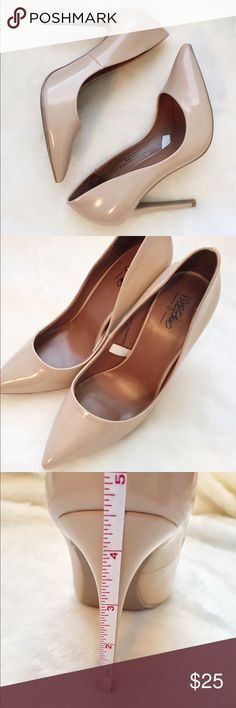 Mossimo patent heel in Blush - only wore twice! Beautiful pointed-toe, patent heels in Blush - which looks like a nude. Size 7 1/2. Skinny heel, medium width. Heel height is in picture provided. These are great to wear out with the girls & date nights! Also great to keep it simple with some skinny jeans and a shirt or a lovely blouse. I only wore them twice so there is very little signs of wear. Thank you lovely for checking out my closet :) Mossimo Supply Co Shoes Heels