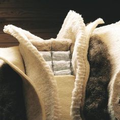 A alma duma cama Hästens. Portugal, Blanket, Bed, Home, Stream Bed, Ad Home, Blankets, Homes, Beds