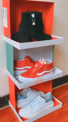 DIY Schuhregal von Shoe Boxes DIY shoe rack from Shoe Boxes, Diy Crafts Hacks, Diy Home Crafts, Diy Home Decor, Diy Projects, Diy Crafts For Bedroom, Diy Organisation, Closet Organization, Diy Shoe Rack, Diy Rack