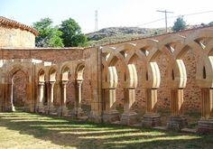 Os invitamos a pasear por el Monasterio de San Juan de Duero, Soria.  #historia #turismo http://www.rutasconhistoria.es/loc/monasterio-de-san-juan-de-duero-soria