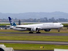 Air New Zealand landing at Auckland airport Type: Boeing Registration: ZK-OKO Location: Auckland International Airport Date: Gifts For Campers, Camping Gifts, Nz History, Portable Hammock, Passenger Aircraft, Air New Zealand, Classic Image, Boeing 777, Commercial Aircraft