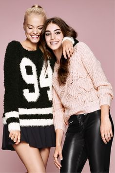 Light pink and graphic black & white make a great pair! Soft, fluffy sweater with knit sports number & chunky cable-knit sweater.│ H&M Divided