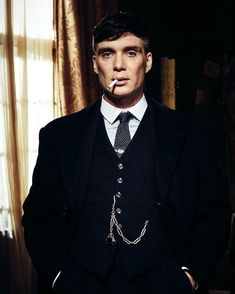 "Cillian Murphy as Thomas ""Tommy"" Shelby in Peaky Blinders Peaky Blinders Tommy Shelby, Peaky Blinders Thomas, Cillian Murphy Peaky Blinders, Traje Peaky Blinders, Peaky Blinders Costume, Cillian Murphy Tommy Shelby, Cillian Murphy Young, Peaky Blinders Wallpaper, Beautiful Men"