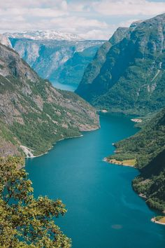 8 Gorgeous Places To Visit In Norway Hand Luggage Only – Images Gallery Norway Places To Visit, Visit Norway, Beautiful Places To Visit, Places To See, Mountain Photography, Food Photography, Scenic Photography, Night Photography, Landscape Photography
