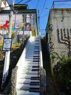 The piano stairs in Beethoven Street , Valparaiso, Chile - Global Introvert