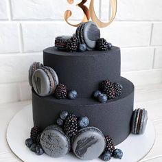 shakeo mug cake 18th Birthday Cake For Guys, Beautiful Birthday Cakes, Birthday Cakes For Men, Beautiful Cakes, Amazing Cakes, 17th Birthday, Pretty Cakes, Cute Cakes, Yummy Cakes