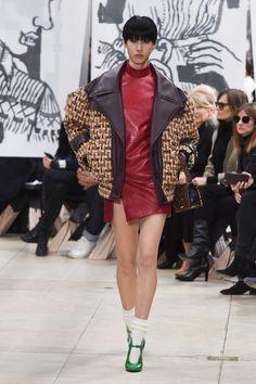 907 melhores imagens de Wear em 2019   Art, Couture e Couture collection 932b77ed79