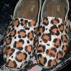 hand painted toms! love these. i think i might have to make me some :)
