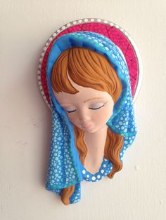 virgen en cerámica puntillismo Fimo Clay, Mother Mary, Dot Painting, Pebble Art, Quilling, Cute Kids, Nativity, Decoupage, Mandala
