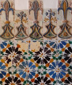 Portuguese tiles (azulejos) are a visual delight and a travel highlight Tile Art, Mosaic Tiles, Tile Patterns, Print Patterns, Spanish Style Decor, Moroccan Decor, Moroccan Tiles, Mosaic Madness, Vintage Tile