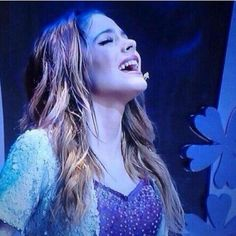 Violetta en Vivo Violetta And Leon, Violetta Live, Underneath It All Lyrics, All You Need Is Love, Love Her, Got Me Started Tour, Taylor Swift, Netflix Kids, Le Concert
