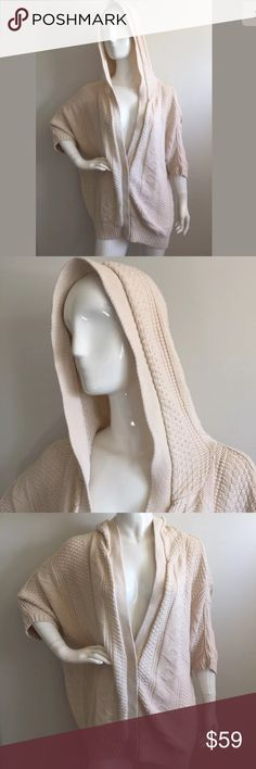 Free People Cream Oversized Hooded Cardigan New Without Tags cute...   Free People Oversized Hoodie Cardigan Sweater   (Retail Price is $180)    Size: L (see exact measurements below)    Color: Cream    Linen and Cotton Blend    *** I'm a wardrobe stylist & this fabulous sweater was purchased for a film & it was never worn on set!! It is in Brand New condition, as shown in detailed pictures.    Shoulder to Shoulder: 22.5 inches  Shoulder to Sleeve: 10.5 inches  Bust: 60 inches  Total…