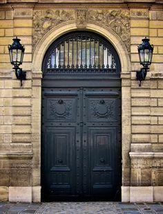 Paris, France | A DOOR A DAY