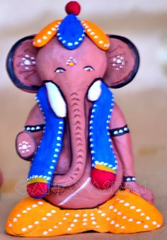 Air dry clay is a fun medium to experiment with. Especially, for making ganesha/pulaiyars. Here goes one of my air dry creations. Ganesh Pooja, Jai Ganesh, Shree Ganesh, Indian Gods, Indian Art, Fun Crafts For Kids, Art For Kids, Clay Crafts, Arts And Crafts