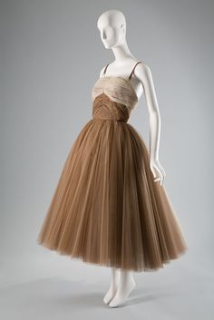 The Museum at FITPeople and Brands: Brand: Balmain French, founded 1945 Medium: Net Date: Country: France Vintage Dresses, Vintage Outfits, Vintage Clothing, 1950s Dresses, 1950s Fashion, Vintage Fashion, Countryside Fashion, Vintage Couture, Vintage Glam