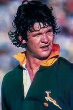 Springbok Glorie! | Die Groen en Goud Toetsspeler 455 | Morné du Plessis (gebore 21 Oktober 1949) is Suid-Afrika se ses-en-dertigste Springbok kaptein. Morné het in 22 toetse gespeel, hy was 15 keer kaptein en in dié 15 wedstryde het sy span 43 drieë gedruk waarvan hyself drie gedruk het. WP (112) SA (22). Sy pa, Felix du Plessis, was ook 'n Springbokspeler én -kaptein terwyl sy ma, Pat du Plessis, 'n Springbok-hokkiespeler en -kaptein was.