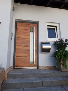 Turn old into new - your front door - designed by TBS Modern Entrance Door, Modern Exterior Doors, Entrance Doors, Front Door Design, House Doors, Hallway Decorating, Interior Architecture, Outdoor Decor, Entry Doors
