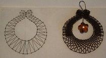 Encaje de Bolillos Madrid - Mis Diseños Lace Earrings, Lace Jewelry, Crochet Earrings, Bobbin Lacemaking, Bobbin Lace Patterns, Lace Heart, Point Lace, Lace Making, Jewelry Patterns