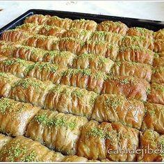 Görüntünün olası içeriği: yiyecek Turkish Recipes, Ethnic Recipes, Ratatouille, Pistachio, Bon Appetit, Asparagus, Pork, Dessert Recipes, Vegetables