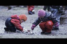 'Natureplay' Film Reveals Scandinavia's Amazing Nature-based Education System Education System, Kids Education, Preschool Learning, Teaching Kids, Life Learning, Outdoor Learning, Outdoor Play, Scandinavian Countries, Outdoor Classroom