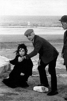 """""""Io la domenica libera sono  e per te la campana a morto suona."""" Monica Vitti in 'La ragazza con la pistola' di Mario Monicelli (1968)"""