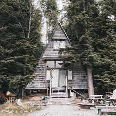 Via an-adventurers http://an-adventurers.com/post/126888529190/the-ideal-summer-lake-house-on-jones-lake-bc