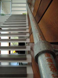 Kee Klamp Railing Featured in Modern Dwelling
