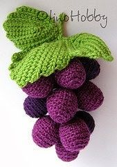 crochet grapes in a bunchCrochet food _ beautiful grapes No pattern availableCrochet Freetress - DIY Como tejer un top a crochetimages attach c 5 86 New Chinese Buffet has been new for over 20 years.how long exactly do you get to refer to you Crochet Fruit, Crochet Leaves, Crochet Food, Crochet Kitchen, Cute Crochet, Crochet Motif, Irish Crochet, Crochet Crafts, Crochet Dolls
