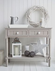 Ideas Original to decorate your table this season Oxford grey console table, Decorate your home in greys and white, perfect for Nordic, coastal, New England and town homes Ideas Original to decorate your table this season Entry Hall Table, Hallway Table Decor, Hallway Furniture, Hallway Decorating, Decorating Your Home, Painted Furniture, Room Decor, Decorating Ideas, Furniture Ideas