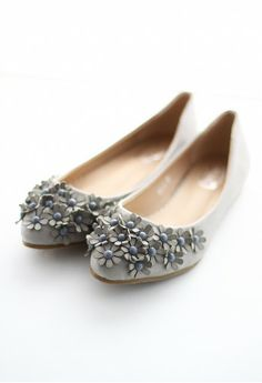 3D Floral Beads Flat Shoes in Grey