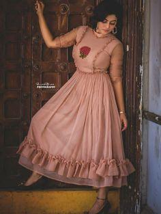 Chudidhar Neck Designs, Cute Designs, Unique Ankara Styles, Frock Design, Funny Babies, Frocks, Kurti, Fashion Dresses, Dressing