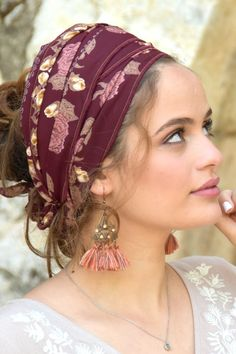 🌺🌷Ancient burgundy pink Headband, so cute, comfortable and useful. Handmade wrap bandana, Head Covering, Scarf, Tichel, fashionable. #headscarf #tichel #Headwrap #Turban #summerstyle #beautiful #beauty #fashion #love #judaism #hebrew #headscarve #religion #religious #israel #israeli #pashmina #tichels #mitpachat #headcovering #modesty #beautiful #hairloss #chemo #hat Pink Headbands, Awesome Gifts, Small Shops, Head Wraps, Best Gifts, Vintage Items, Burgundy, Tie, Makeup