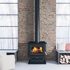 Free Standing Wood Stove, Wood Burning Stove Corner, Modern Wood Burning Stoves, Tiny Wood Stove, Wood Stove Wall, Small Wood Stoves, Wood Stove Decor, Wood Stove Hearth, Antique Wood Stove
