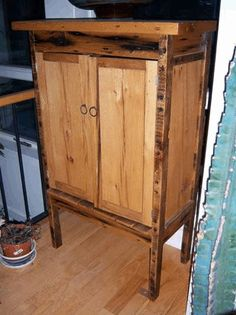 Cabinet made from recycled pallets