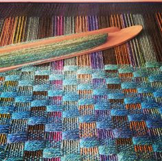 Double weave Susanna Riach 2019 Double weave Susanna Riach The post Double weave Susanna Riach 2019 appeared first on Weaving ideas. Weaving Yarn, Weaving Textiles, Tapestry Weaving, Hand Weaving, Weaving Designs, Weaving Projects, Weaving Patterns, Silk Ribbon Embroidery, Woven Wall Hanging