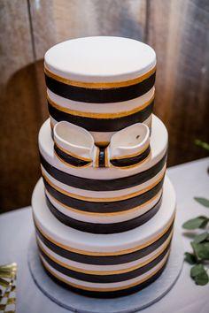 Stunning 3-tier wedding cake. View the full wedding here: http://thedailywedding.com/2016/07/16/romantic-barn-wedding-inspiration/