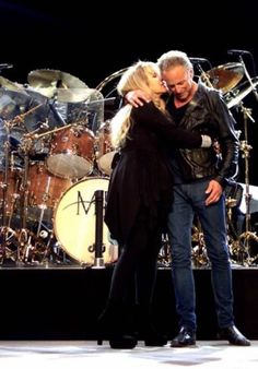 """wingsinthesunset: """" Applications welcome Looking for friends to go on adventures with, listen to Fleetwood Mac, and talk about why Stevie and Lindsey need to get back together """" Stevie Nicks Lindsey Buckingham, Buckingham Nicks, Frozen Love, Looking For Friends, Stephanie Lynn, Stevie Nicks Fleetwood Mac, Great Bands, Pink Floyd, Mistress"""